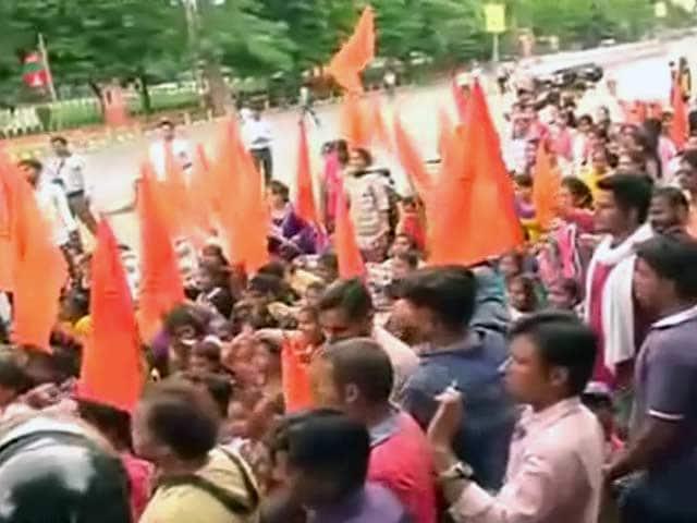Videos : यूपी में कानून-व्यवस्था को लेकर एबीवीपी का प्रदर्शन