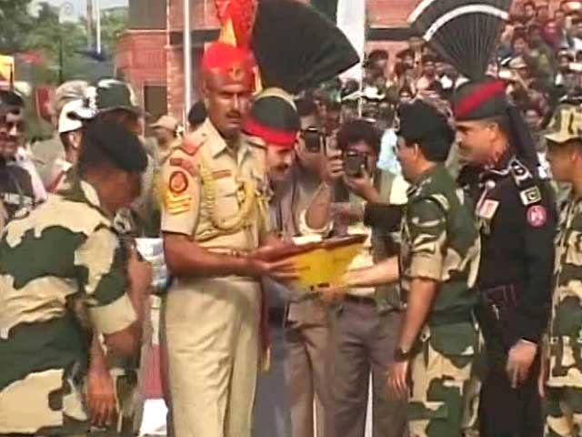 Video : Pakistan Violates Ceasefire At Line of Control, Offers Sweets At Wagah Border