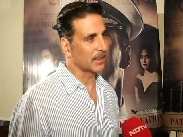 Video : Akshay Kumar on <i>Rustom</i>'s Celeb PR