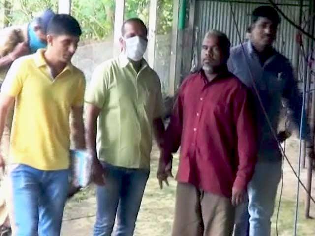 Videos : महाराष्ट्र : छह हत्याओं का आरोपी 'डॉक्टर डेथ' गिरफ्तार