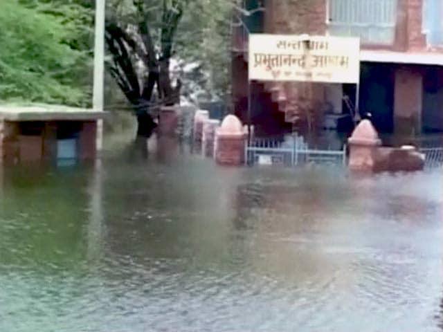 Videos : जोधपुर में भारी बारिश से मंदिर पानी में डूबा