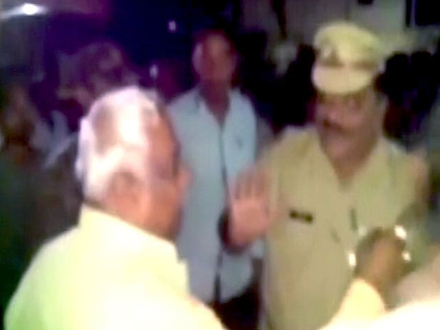 Video : Caught On Camera: Maharashtra BJP Legislator Slaps Cop Inside Police Station