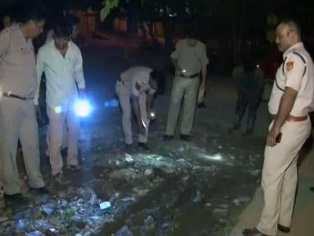 Videos : दिल्ली : बवाना में बदमाशों ने कॉन्स्टेबल की गोली मारकर हत्या की
