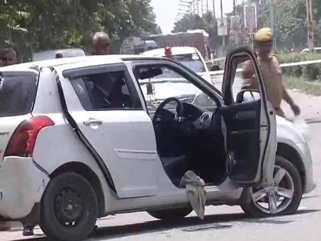 Video : 2 Cops Injured In Shootout In Delhi's Rohini, Gang Of Five Arrested