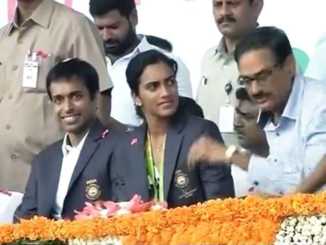 Videos : स्टेडियम में पीवी सिंधु का शानदार स्वागत