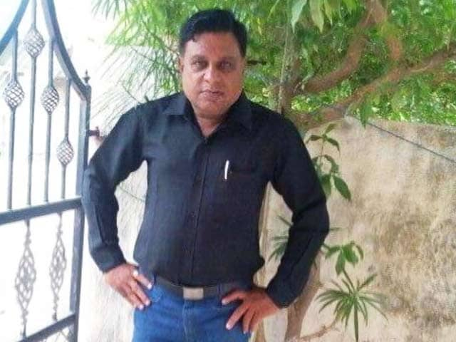 Video : गुजरात के जूनागढ़ में किशोर दवे नामक पत्रकार की चाकू मारकर हत्या