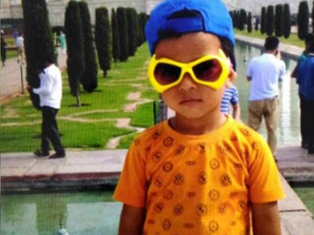 Video : As 3-Year-Old Aviral's Mother Watched From Balcony, He Was Crushed By School Van
