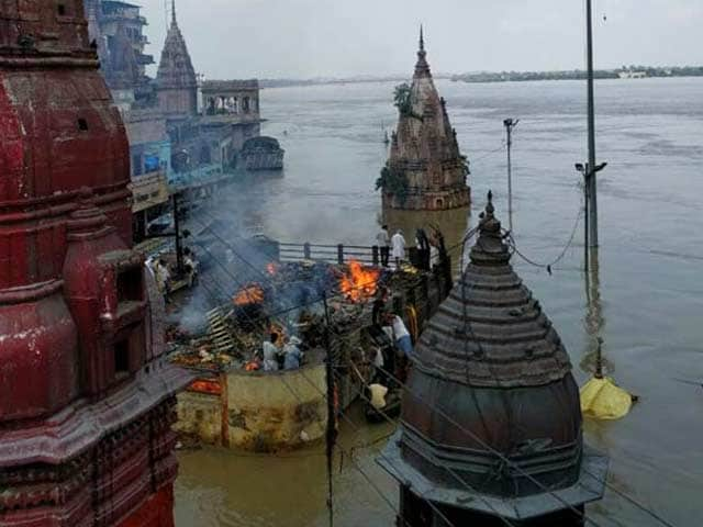 Video : In Varanasi, Ganga Flowing Nearly Upto Roof Of Two-Storey Building