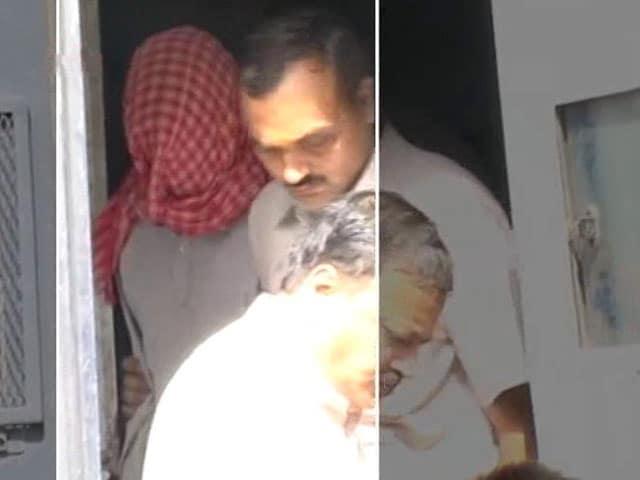 Video : Nirbhaya Rape Convict Vinay Sharma Attempts Suicide In Tihar Jail