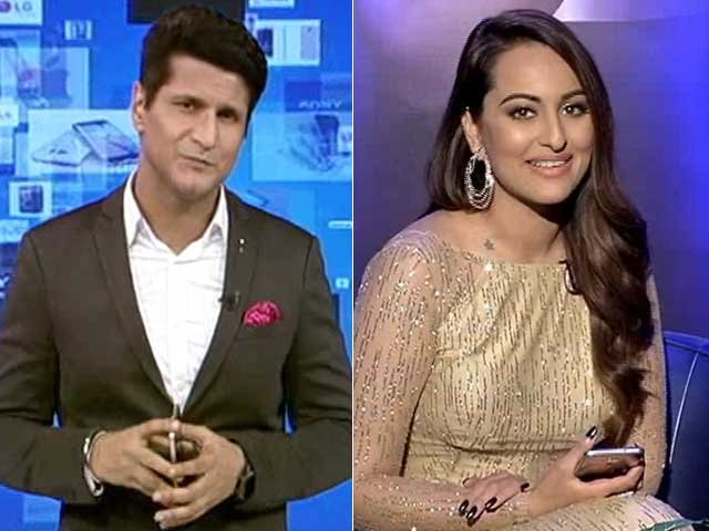 Video : Sonakshi Gets Candid on Cell Guru