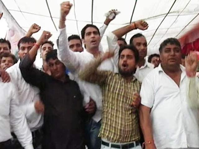 Video : Chaos At Delhi's DND Flyway As Protestors Take Over