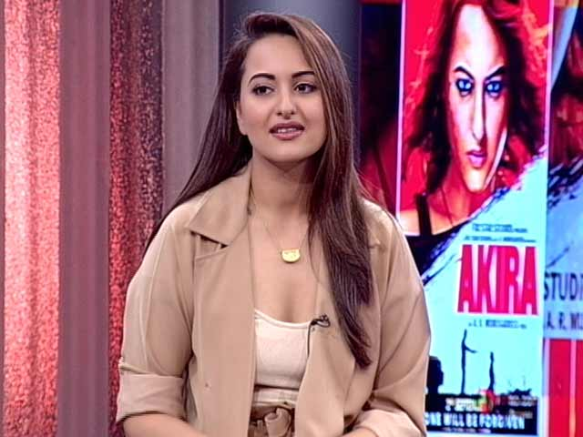 Video : Trolls Are Idiots, Says Sonakshi. And This Man Is A 'Maha-Idiot'