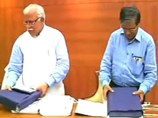 Videos : जस्टिस ढींगरा आयोग की रिपोर्ट से मुश्किल में वाड्रा और हुड्डा?