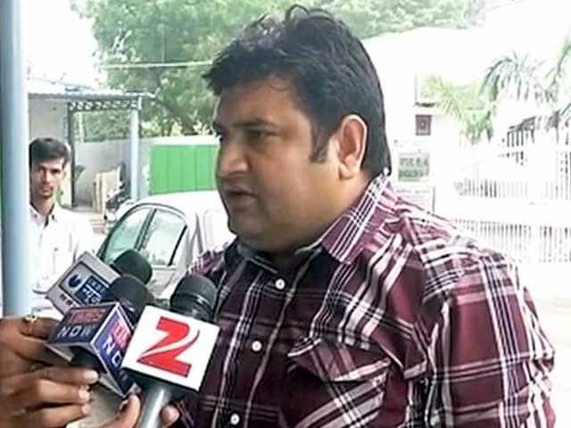 Videos : मैं दलित, मेरे खिलाफ साजिश हुई : दिल्ली के बर्खास्त मंत्री संदीप कुमार