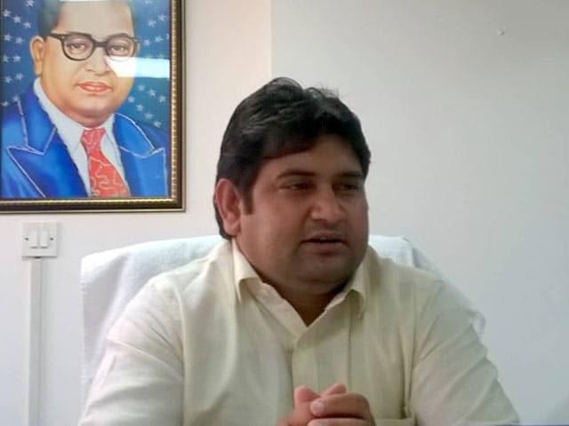 Videos : रेप केस में दिल्ली सरकार के पूर्व मंत्री संदीप कुमार गिरफ्तार