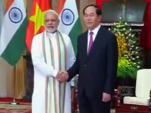 Videos : इंडिया 9 बजे : भारत और वियतनाम के बीच 12 अहम समझौते