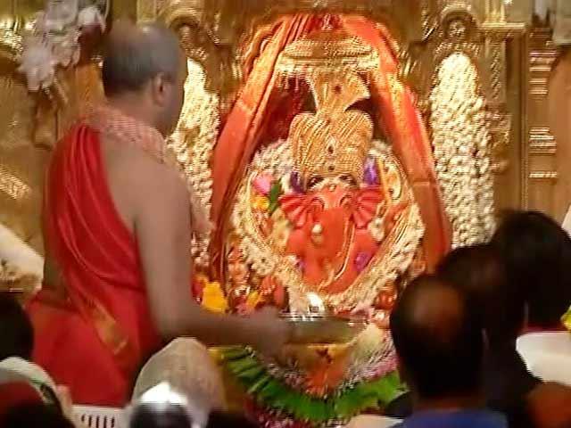 Video : गणेश चतुर्थी पर सिद्धिविनायक मंदिर में विशेष आरती