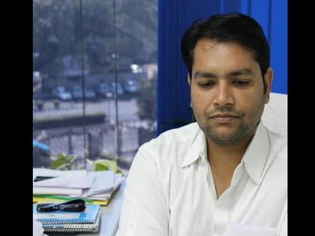 Videos : संदीप कुमार के ओएसडी को पुलिस ने हिरासत में लिया