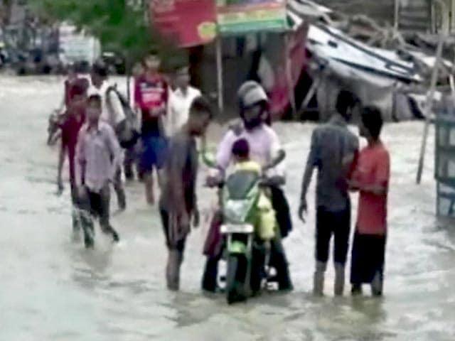 Videos : बिहार के गया में जोरदार बारिश ने तोड़ा 74 सालों का रिकॉर्ड