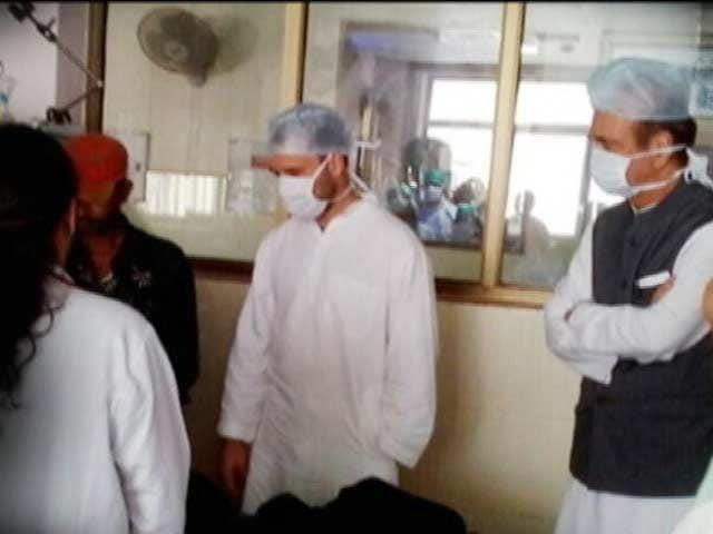 Video : 'Centre Not Serious About Curbing Encephalitis': Rahul Gandhi in Gorakhpur