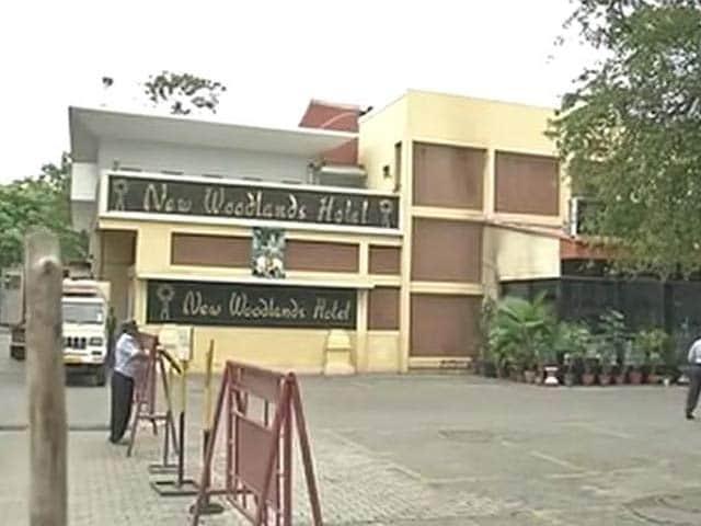Video : कावेरी जल विवाद : चेन्नई के होटल में तोड़फोड़