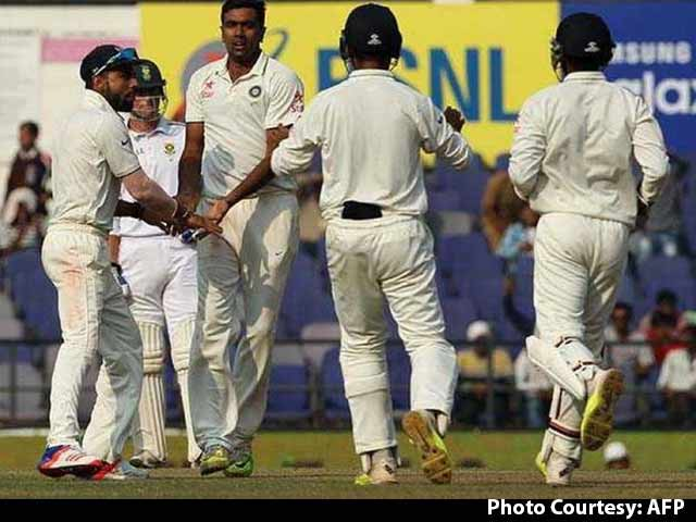 Video : India Should be Cautious About Spinning Tracks vs NZ: Aakash Chopra