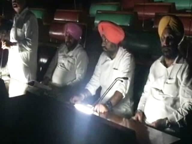 Video : Yoga, Takeout In Punjab Congress Lawmakers' Record 36-Hour Protest