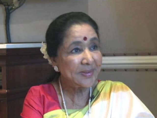 "Video : Asha Bhosle: ""I Never Asked For Help From Lata Didi"""