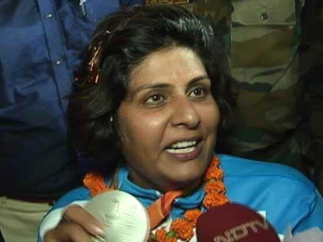 Video : Band, Baaja And Fanfare For Paralympic Medallist Deepa Malik