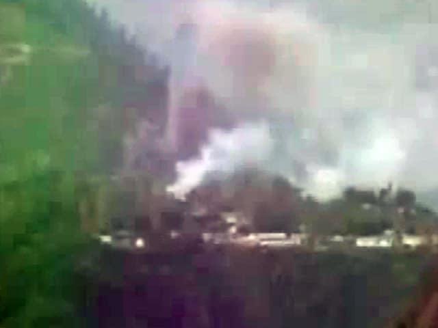 Videos : जम्मू कश्मीर : उरी में आर्मी के बटालियन हेडक्वॉर्टर पर आतंकी हमला, 17 जवान शहीद