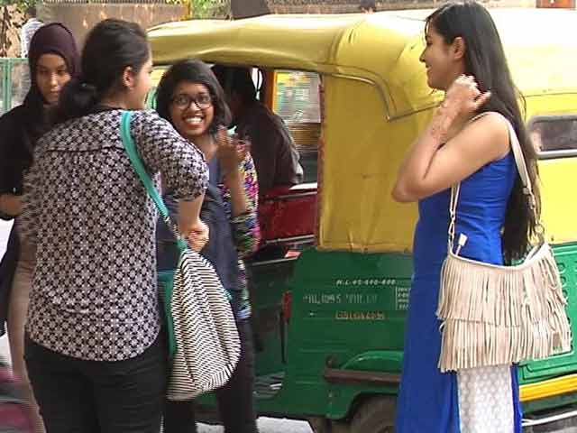 Videos : न्यूज प्वाइंट : दिल्ली में कितनी सुरक्षित हैं लड़कियां?