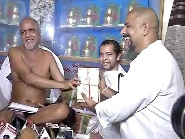 Video : Vishal Dadlani Meets Jain Monk To Apologise, Says 'We Are Friends Now'