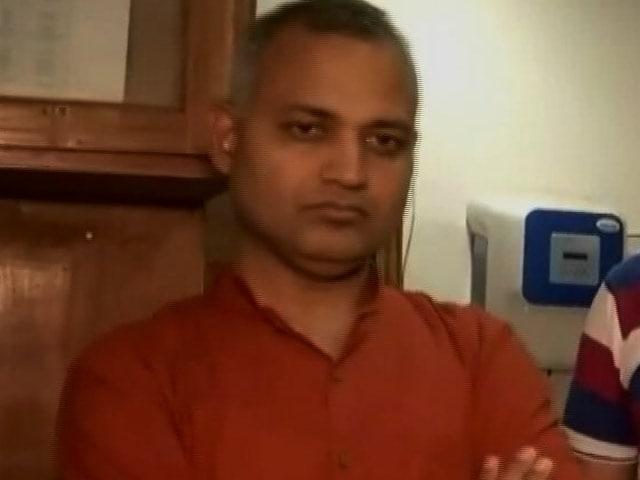 Videos : एम्स के सुरक्षाकर्मियों से मारपीट के आरोप में AAP विधायक सोमनाथ भारती गिरफ्तार