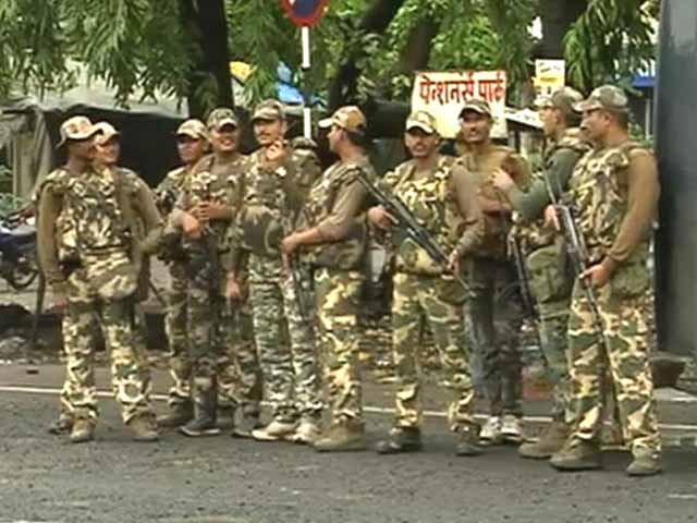 Videos : न्यूज प्वाइंट : संदिग्धों की खबर के बाद हाई अलर्ट पर मुंबई