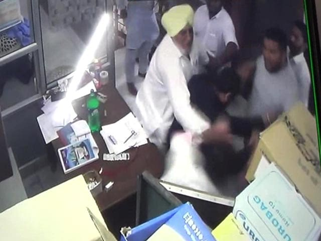 Video : Akali Dal Leader, Son Caught On Camera Assaulting Pregnant Nurse