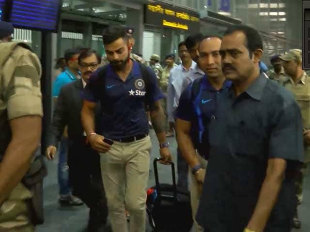 Video : India, New Zealand Arrive in Kolkata For Eden Gardens Test