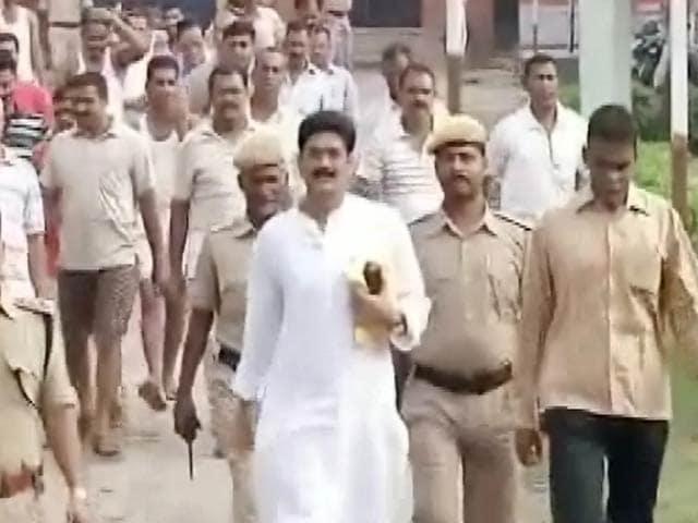Video : बिहार के बाहुबली नेता शहाबुद्दीन की जमानत सुप्रीम कोर्ट ने रद्द की