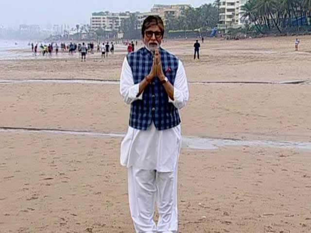Video : Amitabh Bachchan Sets The Agenda For 12-Hour Cleanathon