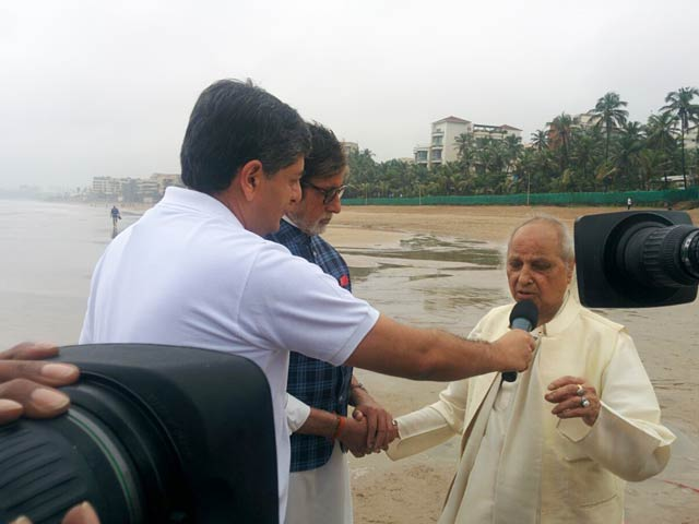 Video : Pandit Jasraj Sings Impromptu At The Cleanathon