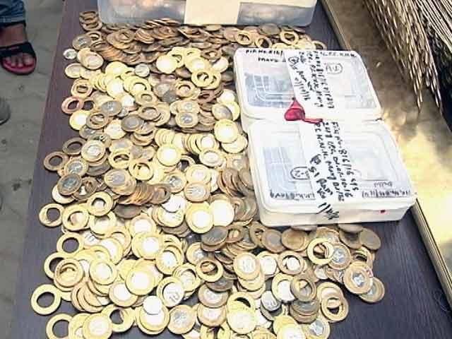 Videos : दिल्ली में नकली सिक्के बनाने की फैक्ट्री का भंडाफोड़