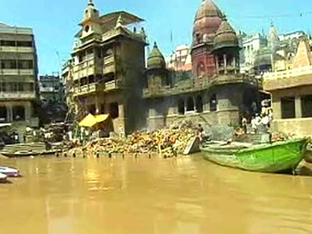 Video : Banega Swachh India: Varanasi's Manikarnika Ghat Gets Cleaned-Up
