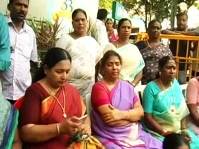 Video : 'Amma, We Need You': At Hospital, Jayalalithaa Fans Refuse To Disperse