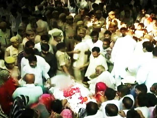 Videos : शहीद जवान नितिन कुमार की राजकीय सम्मान के साथ अंतिम विदाई