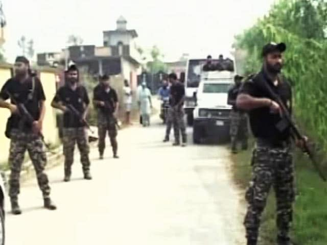 Videos : पंजाब : गुरदासपुर में दिखे संदिग्ध हथियारबंद, QRT कमांडो तलाशी अभियान में जुटे