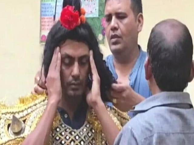 Videos : नवाज़ुद्दीन का विरोध करने वालों के खिलाफ एफआईआर