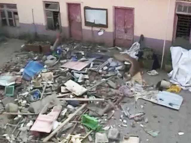 Video : 4 Dead As 5-Storey Building Collapses In Mumbai's Bandra