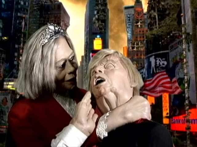 Video : गुस्ताखी माफ : जब ट्रंपमैन ने वंडर हिलेरी से कहा, 'तुमसे न हो पाएगा'