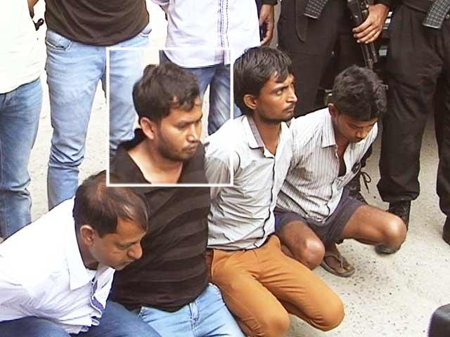 Videos : दिल्ली में बड़ा हमला करने की फिराक में थे नोएडा से गिरफ्तार किए गए नक्सली