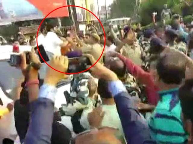 Video : Did Minister Babul Supriyo Slap Policeman? Video Surfaces