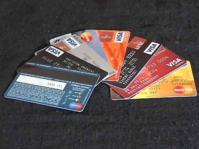Videos : डेबिट कार्ड पर डाका : महाराष्ट्र पुलिस ने बैंकों से मांगी जानकारी